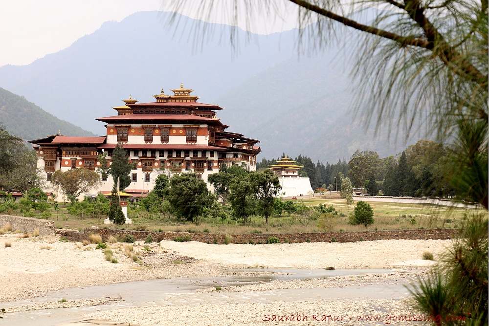 Punakha Dzong at the Confluence of Pho-chu and Mo-Chu