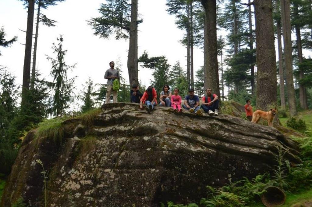 Atop a cliff at Lamadug