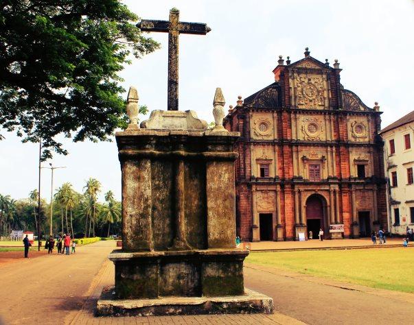 Bom Jesus Basilica - Goa