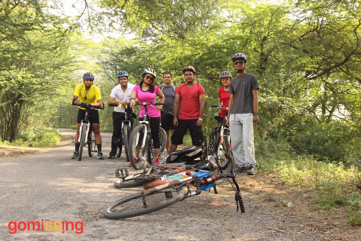 GoMissing group cycling to Najafgarh Wetlands