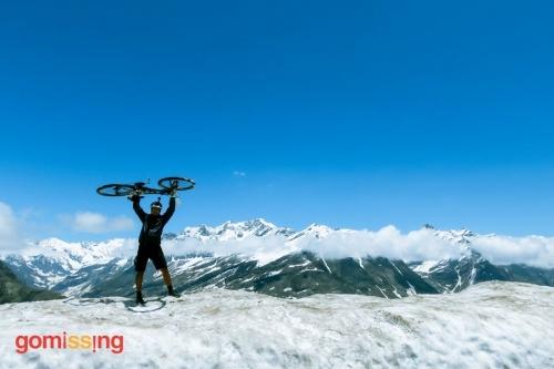 Manali Leh Cycling Expedition - at Rohtang Pass