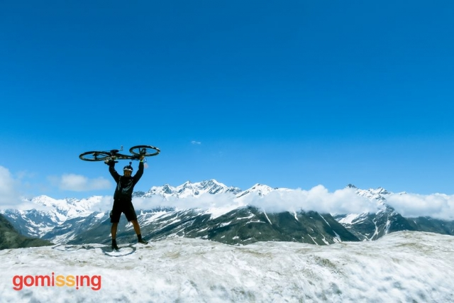 Manali Leh Cycling Expedition - at Rohtang Pass
