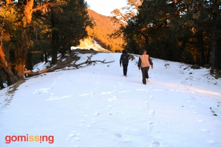 On the way to Nag Tibba top