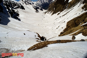 Snow covered trail on the Rupin Supin Trek