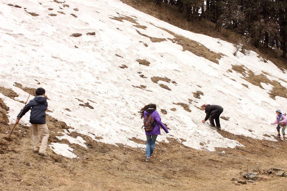 Nag Tibba Trek - 46 - snowball fight