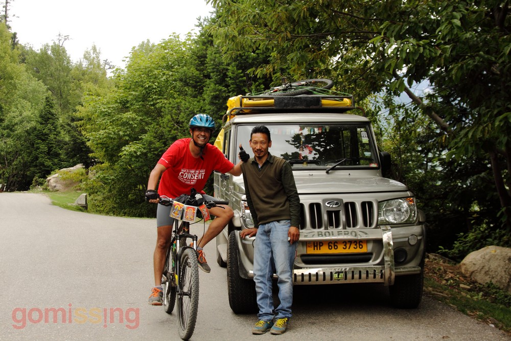 Cycling from Manali to Marhi. Manali LEH MTB expedition