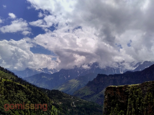 Cycling up that little road from Manali to Marhi