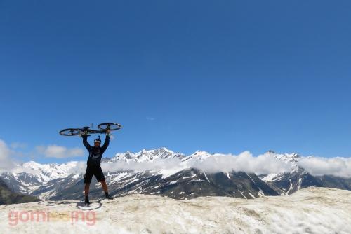 Celebrating the Rohtang pass climb