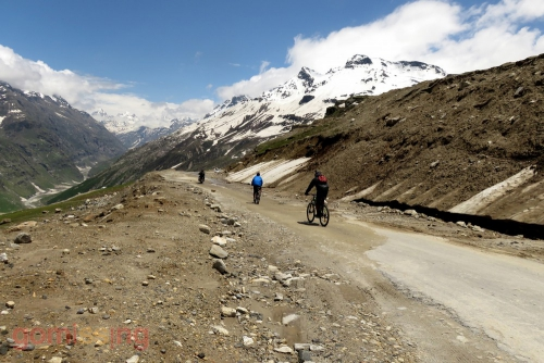 Downhill cycling from Rohtang to Gramphoo