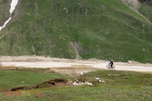 Rohtang to Gramphoo downhill cycling
