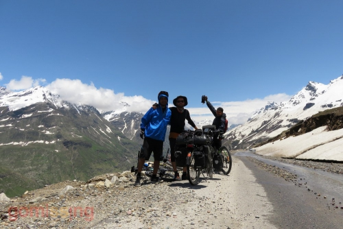 Rohtang to Gramphoo section - Meeting fellow cyclist