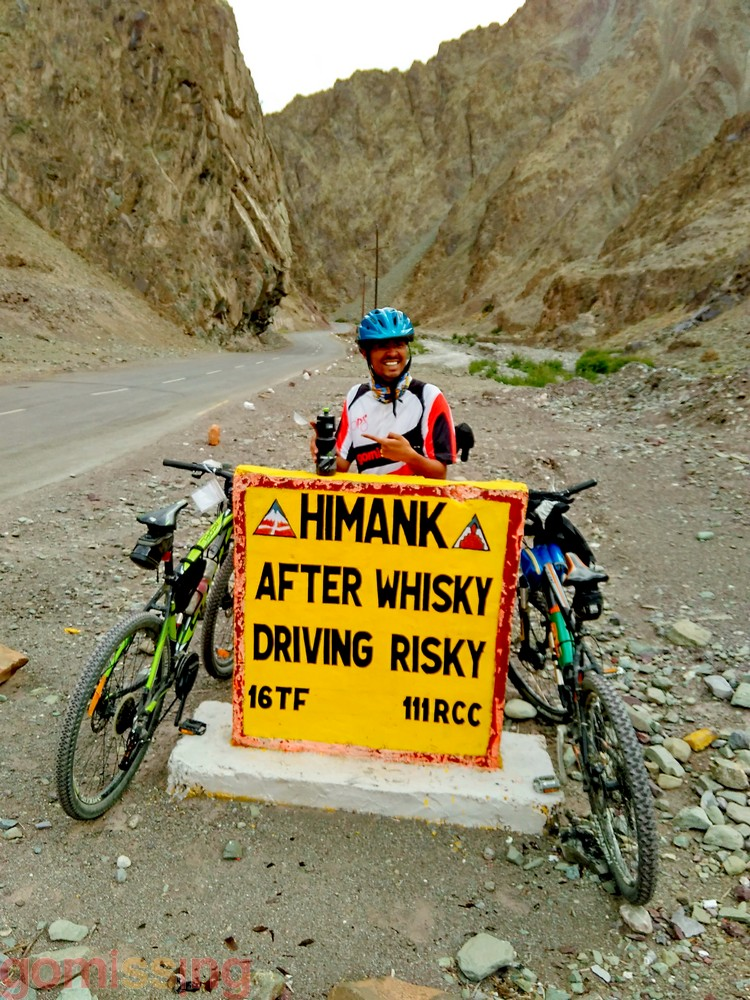 Ladakh BRO Road Sign