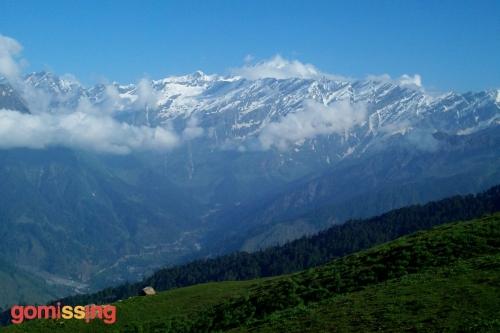 Beas kund trek - spectacular views