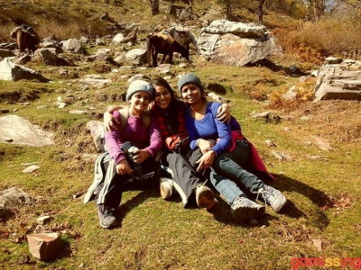 bonding on the beask kund trek