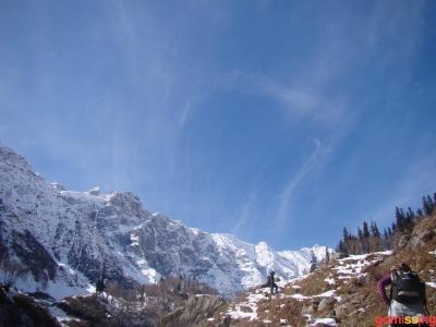 up the snow mountain on beas kund trek
