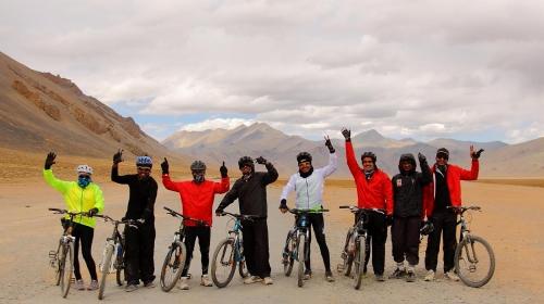 manali leh mountain biking