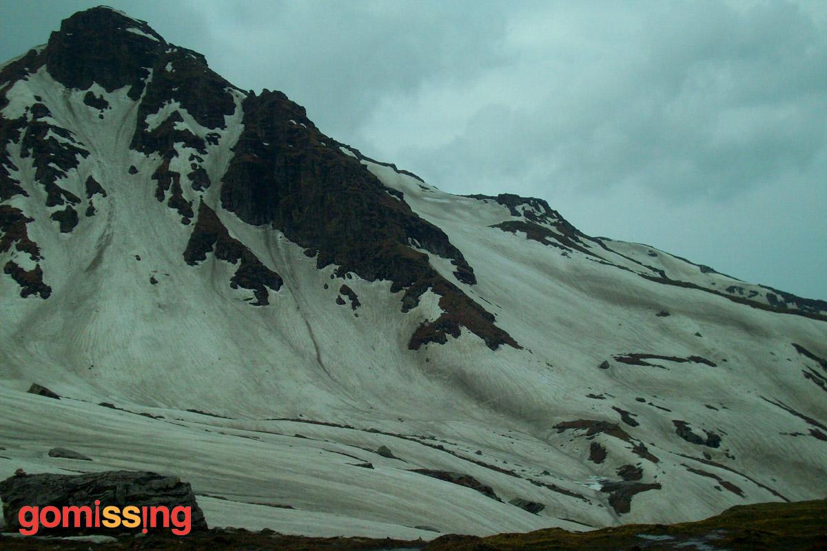 beas kund trek - snow glaciers